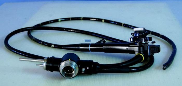 Эндоскопия проводится с помощью эндоскопа